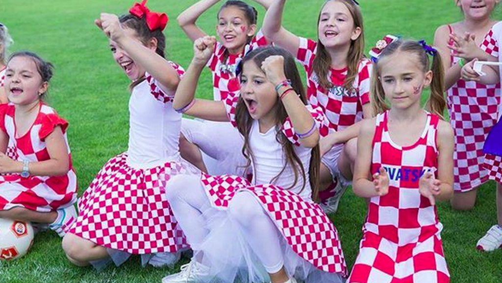 Lucunya Para Suporter CIlik Timnas Kroasia Ini