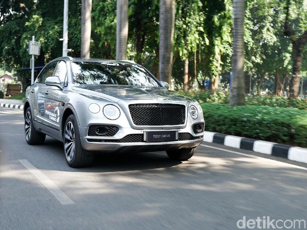 SUV Hybrid Mewah Pertama Datang ke Indonesia