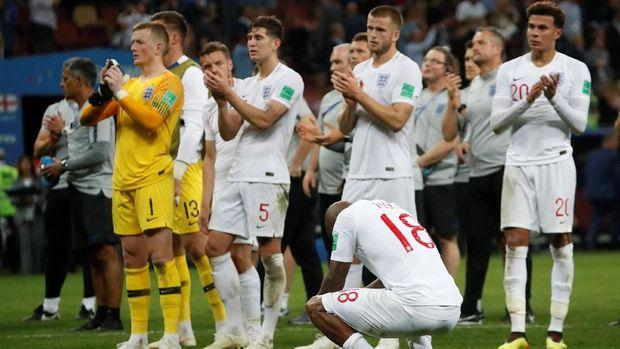 Para pemain Inggris usai dikalahkan Kroasia di semifinal Piala Dunia 2018.