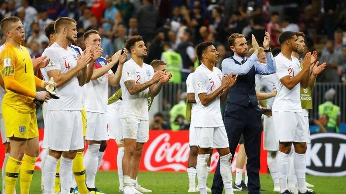 Inggris tetap jadi pahlawan meski gagal membawa pulang trofi Piala Dunia (REUTERS/Kai Pfaffenbach)