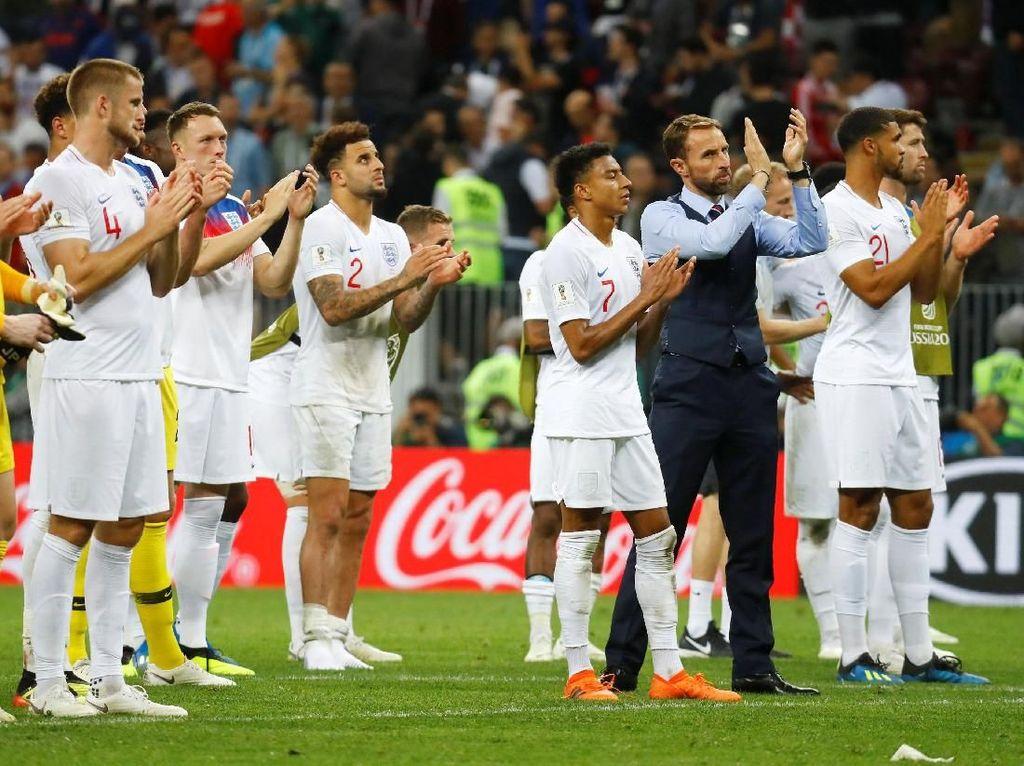 Tak Bawa Trofi Piala Dunia, Inggris Tetap Pulang Sebagai Pahlawan