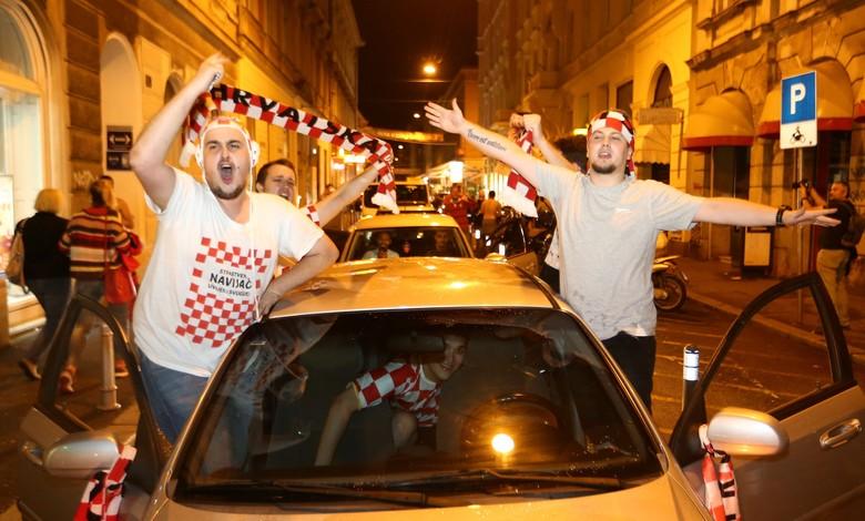 Meriahnya Suporter Merayakan Kemenangan Kroasia