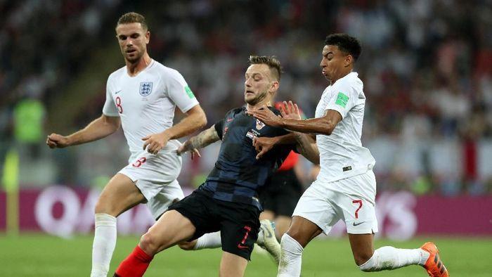 Kroasia vs Inggris lanjut ke babak tambahan setelah skor 1-1 bertahan hingga 90 menit. (Foto: Carl Recine/Reuters)