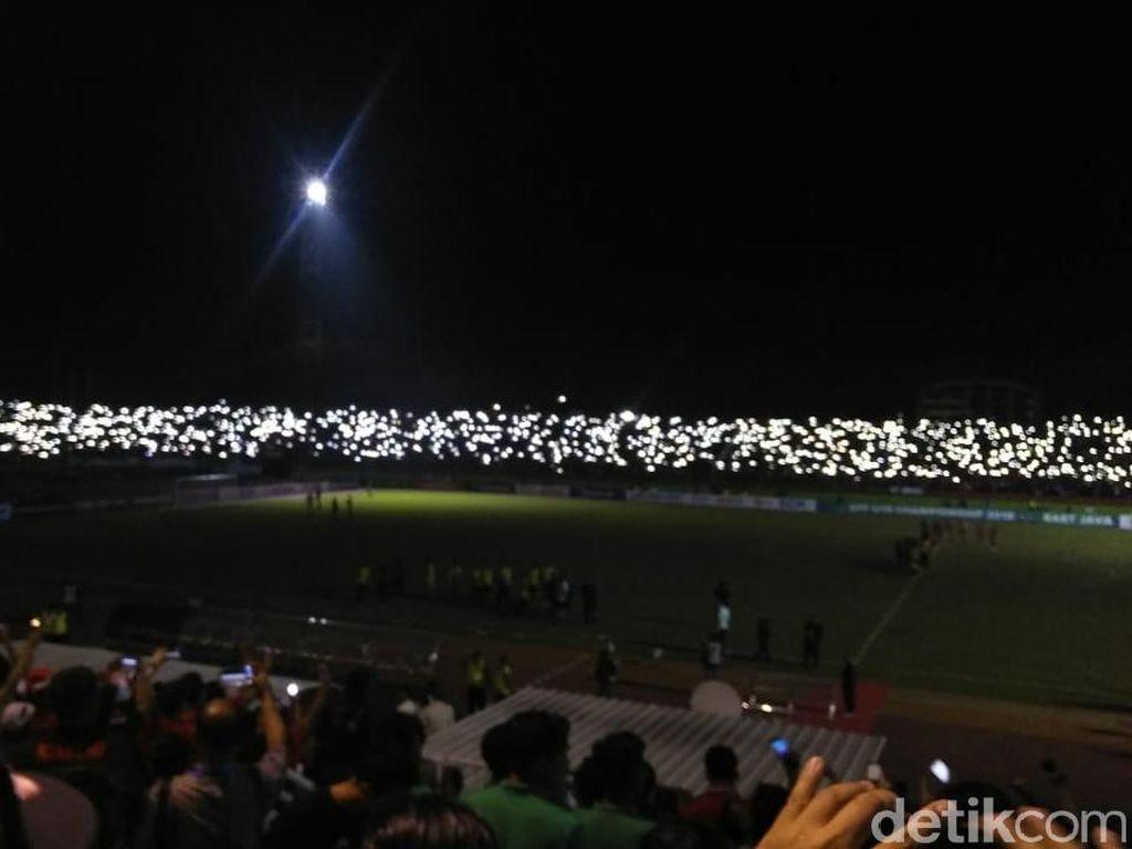 Semifinal Piala AFF U-19 Diwarnai Mati Lampu