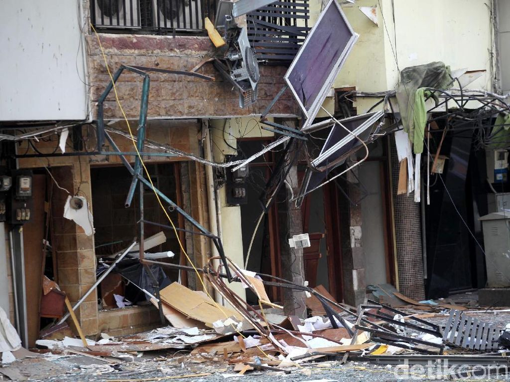 Cerita Warga soal Ledakan yang Hancurkan Ruko di Kebayoran Baru