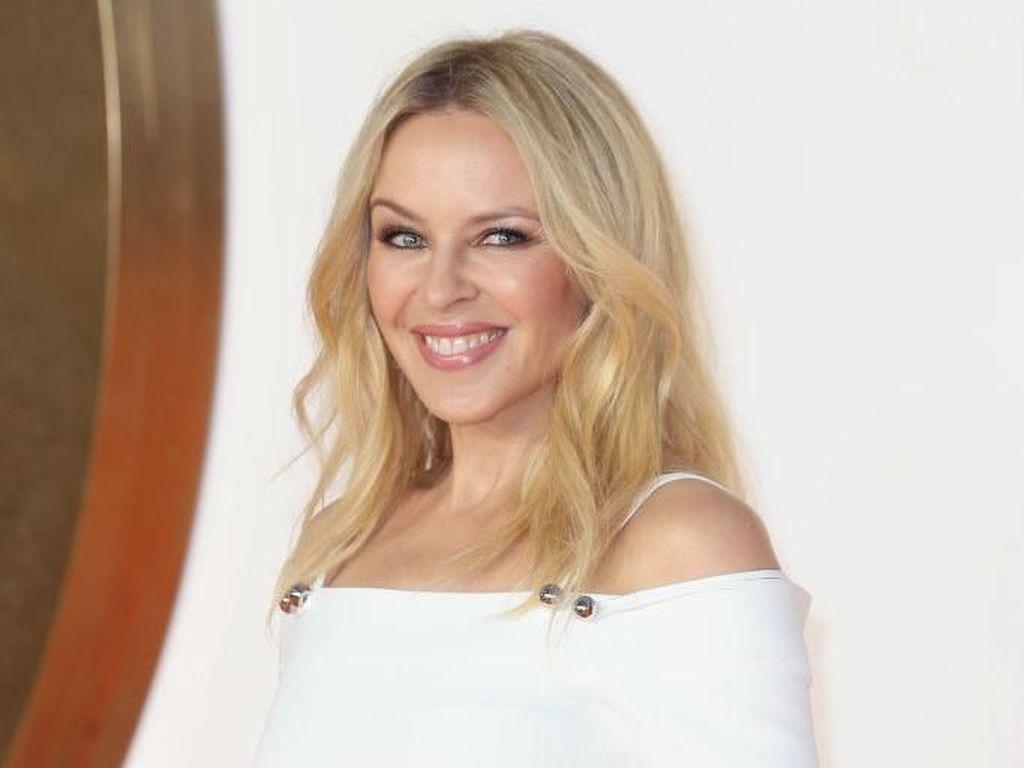 Potret Kylie Minogue di Usia 50 yang Tak Berubah dari 25 Tahun Lalu