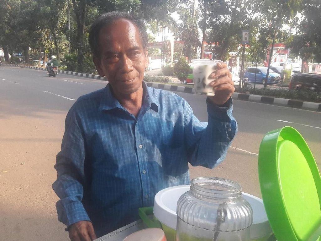 Mr Nanang, Penjual Cincau di Bogor yang Jago 4 Bahasa Asing