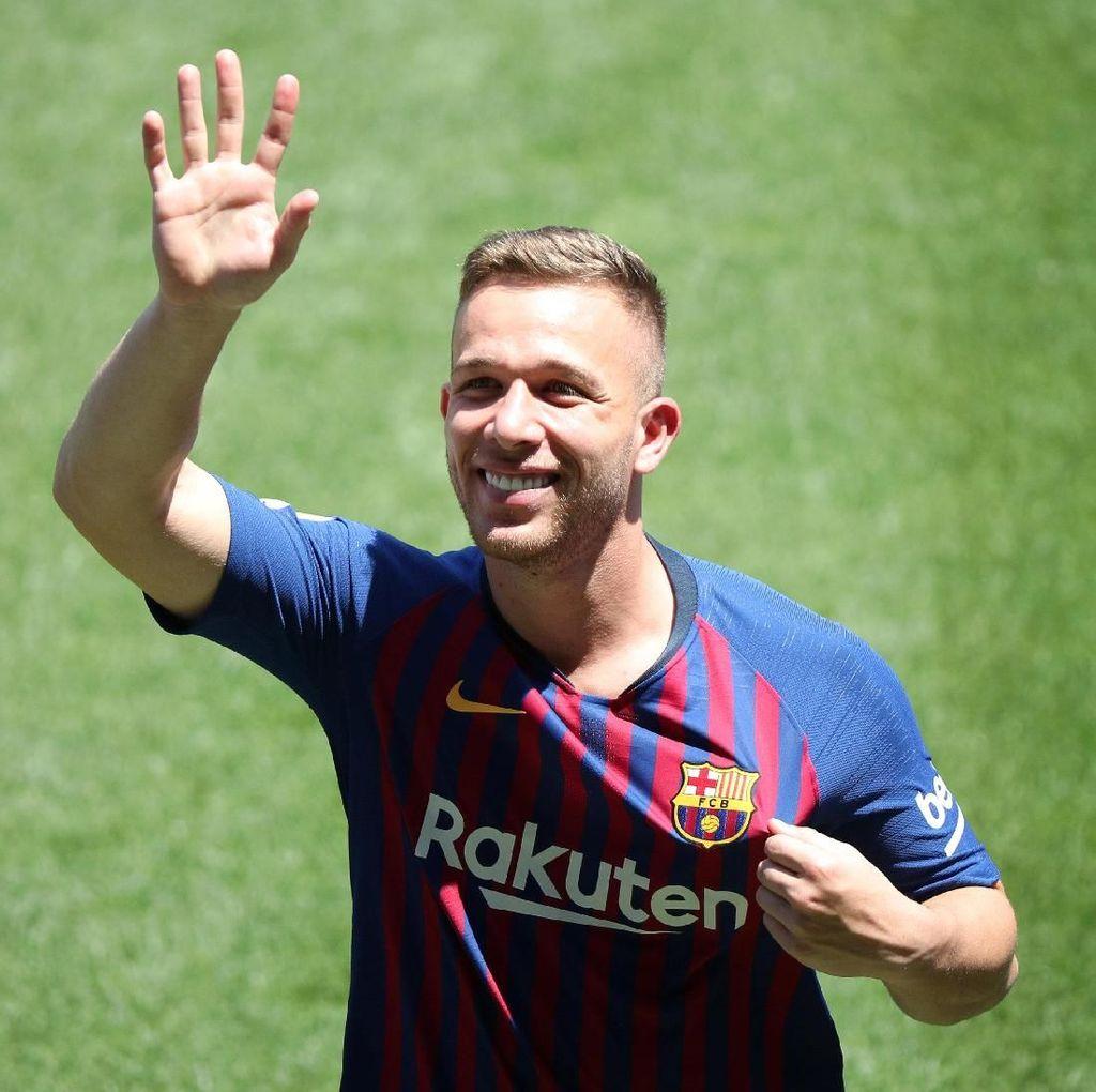 Dipuji Messi, Arthur Tak Mau Besar Kepala