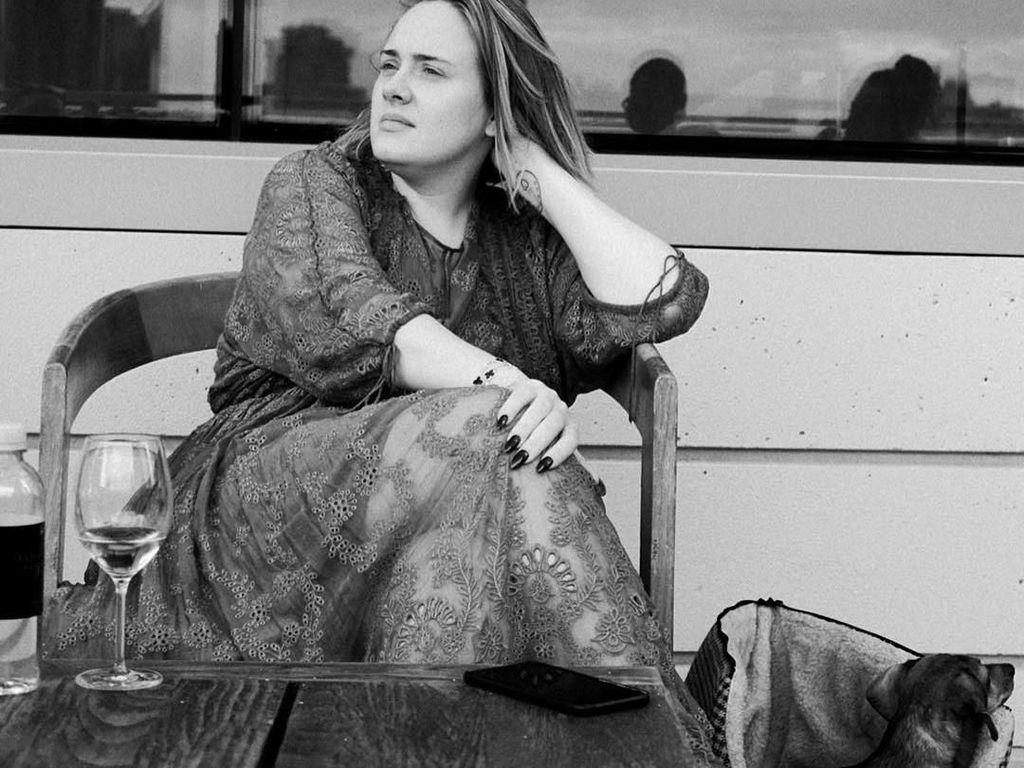 Setelah 7 Tahun Bersama, Adele Berpisah dengan Suaminya