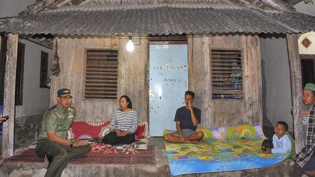 Jokowi Instruksikan Menteri PUPR Renovasi Rumah Lalu Zohri