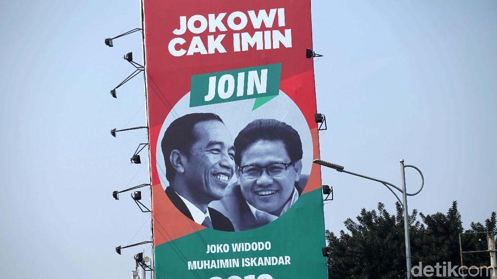 Baliho Jokowi-Cak Imin Mejeng di Gatsu