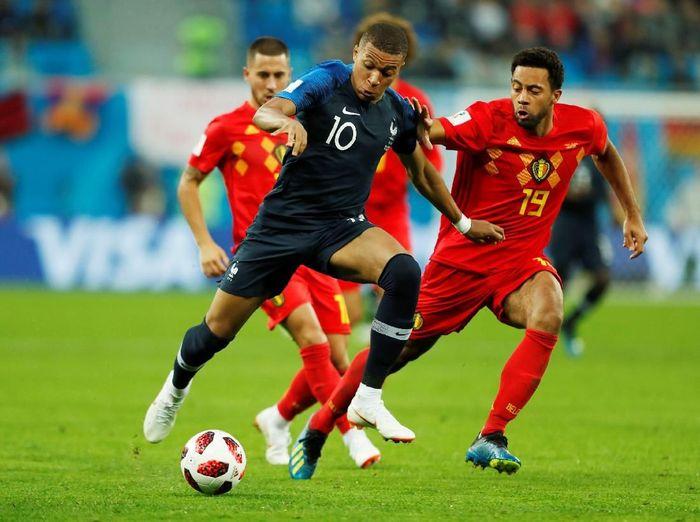 Aksi Kylian Mbappe saat Prancis menghadapi Belgia di semifinal Piala Dunia 2018 (Foto: Lee Smith/Reuters)