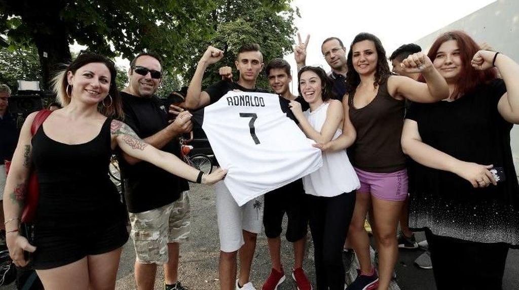 Ronaldo Mania Melanda Turin