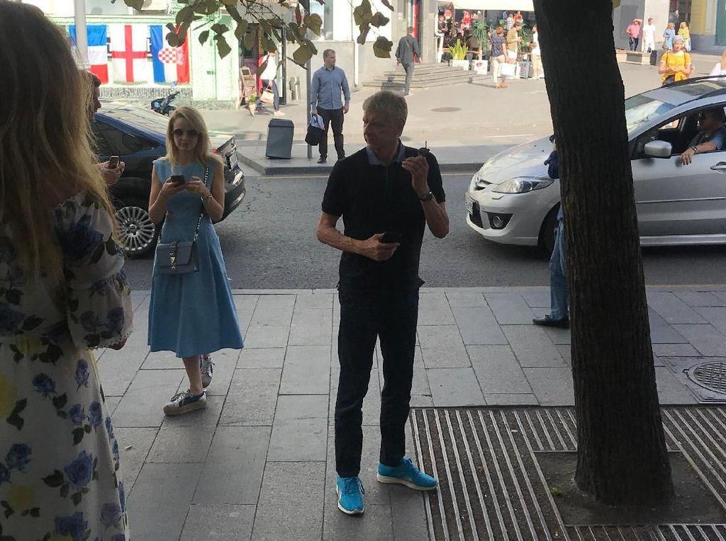Keramahan Arsene Wenger di Pusat Kota Moskow