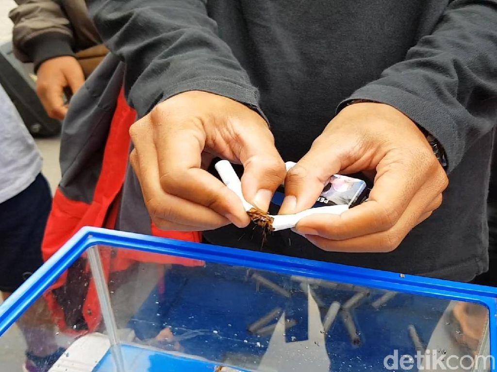 Go Barter, Aksi Sosial Kurangi Pencandu Rokok dengan Pisang