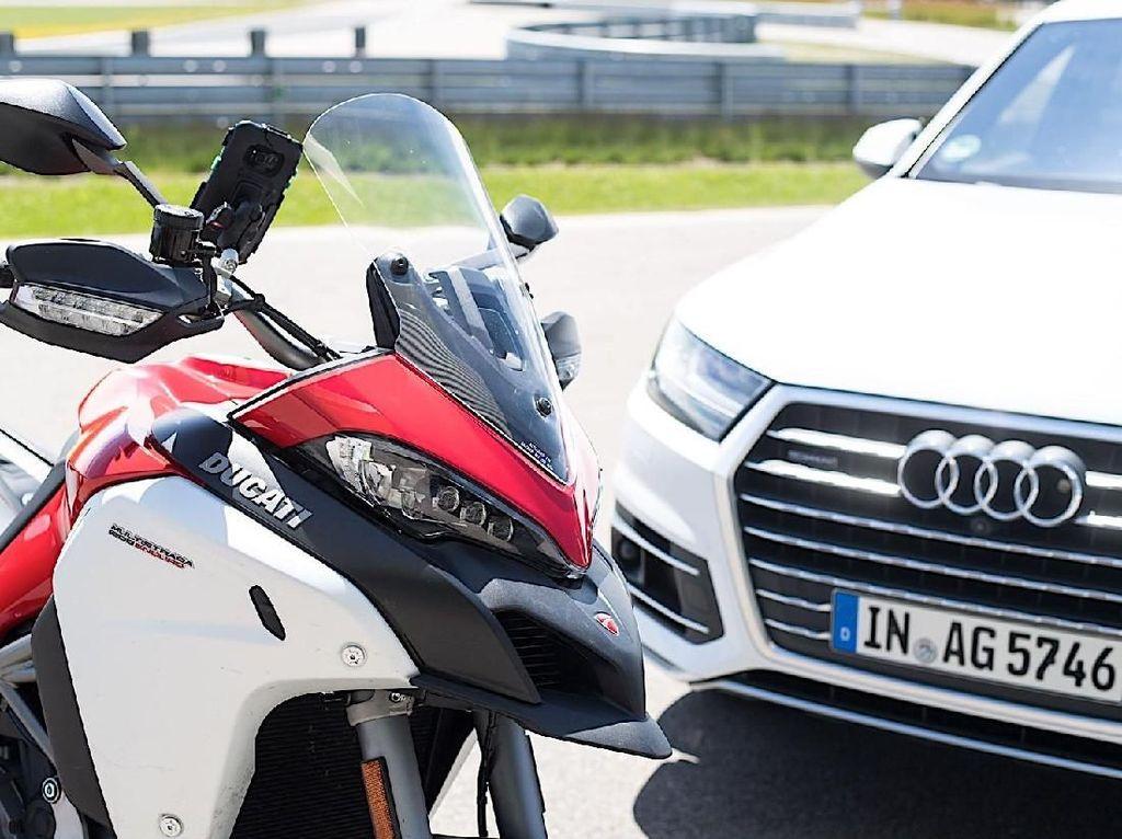 Ducati Multistrada 1200 Enduro Jadi Motor Pertama yang Bisa Bicara dengan Mobil