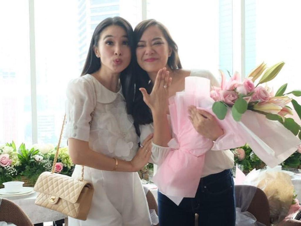 Yuanita Christiani Dilamar Pacar, Sandra Dewi Ikut Nangis