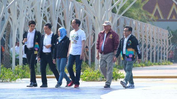 Jokowi-Cak Imin-Menpora Ganteng Malaysia Kompak Berjaket Asian Games