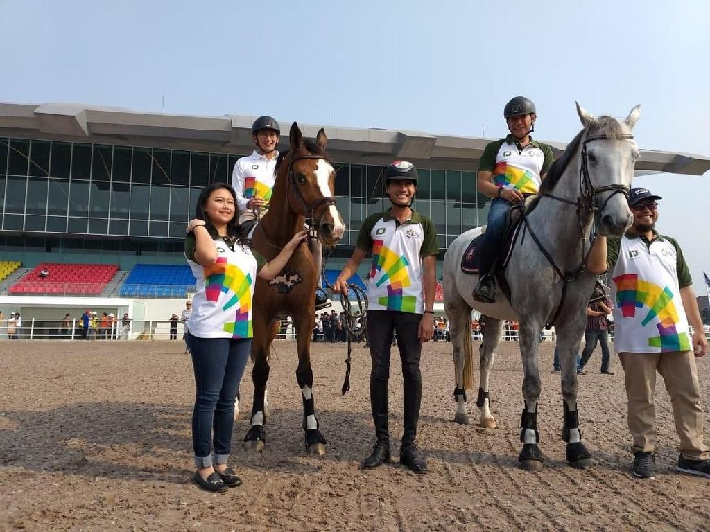 Naik Kuda, Sandi dan Mentan Tinjau Kesiapan Venue Equestrian