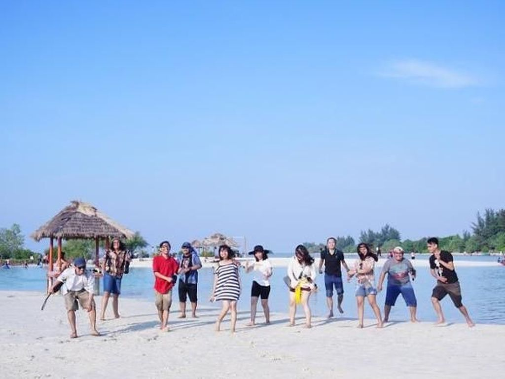 Cerita Liburan Rp 300 Ribuan di Pulau Pari