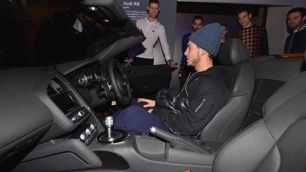 Nggak Kalah dengan Ronaldo, Koleksi Mobil Eden Hazard Bikin Iri