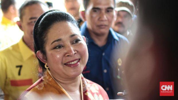 Politik Goban Titiek Soeharto: Belanja Pas, Pulang Jalan Kaki