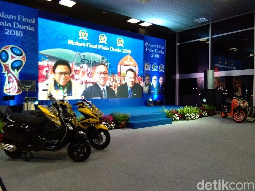 MPR-DPR-DPD Gelar Nobar Piala Dunia, Doorprize-nya Motor