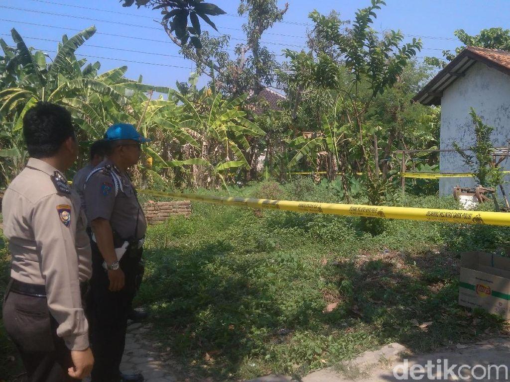 Video: Penggeledahan Rumah terkait Bom Panci di Mapolres Indramayu