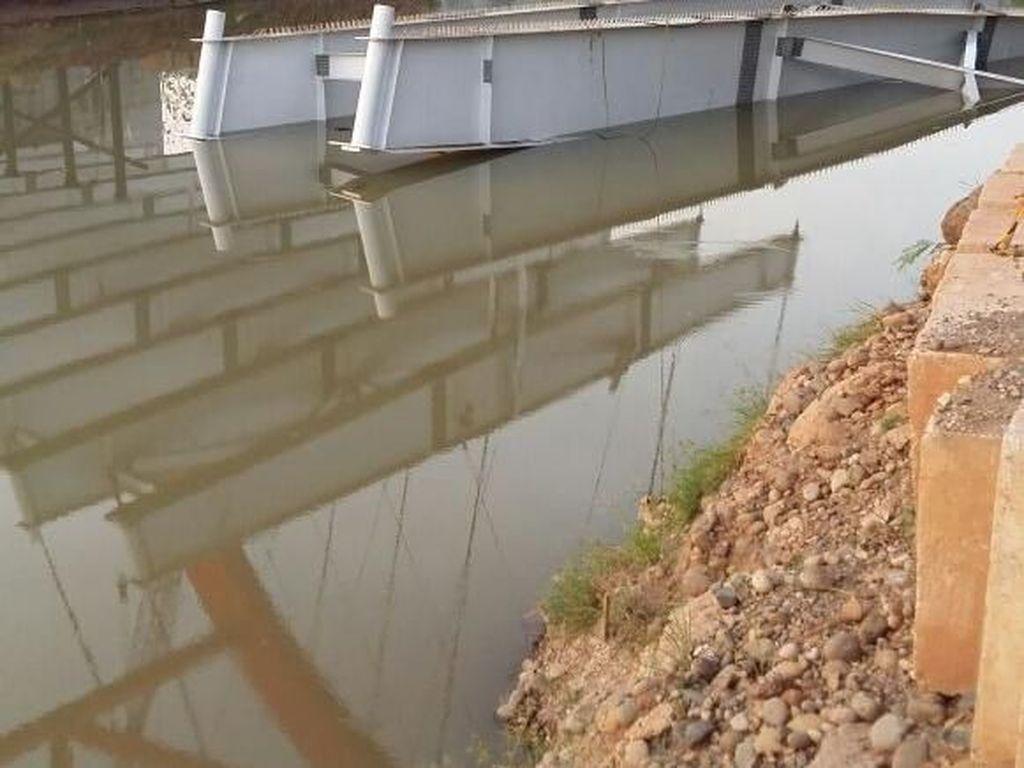 Begini Kronologi Tiang Jembatan Tol Kali Kuto Bisa Ambruk