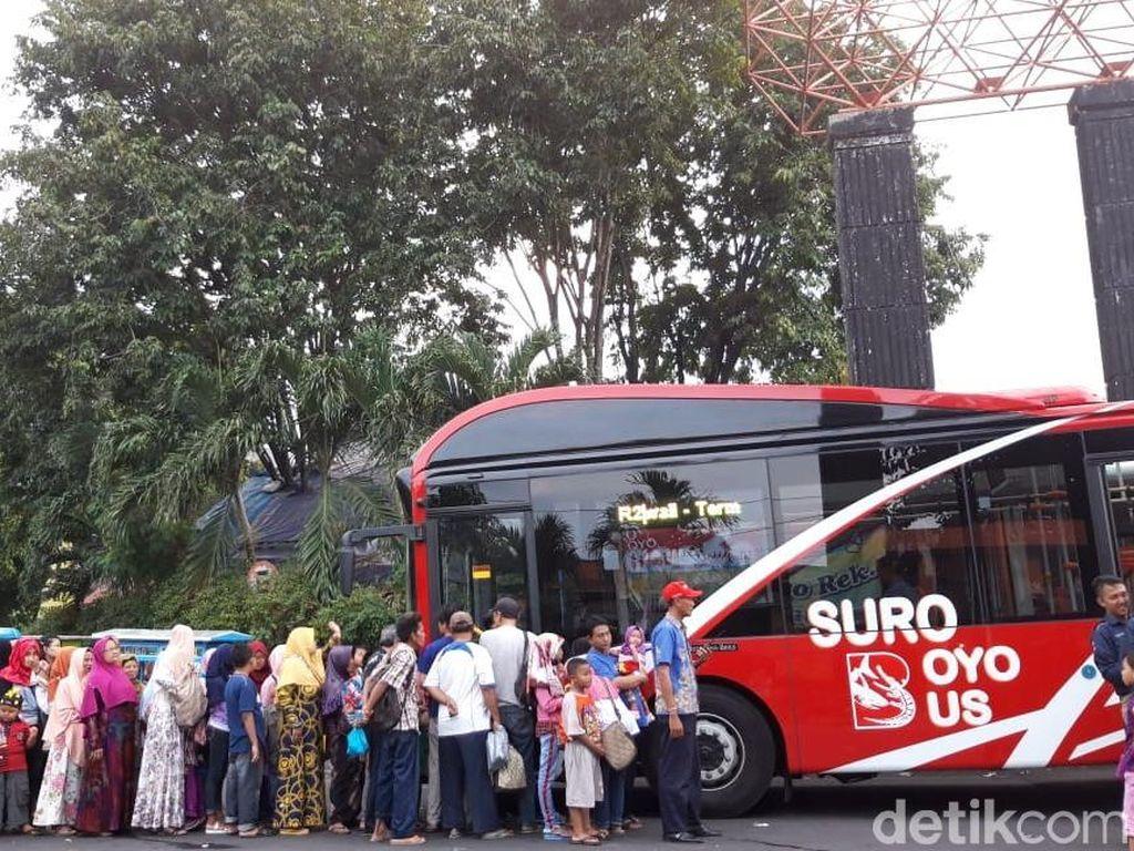 Setahun Beroperasi Bus Suroboyo Angkut Lebih dari 900 Ribu Penumpang
