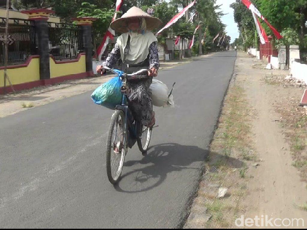 Penjual Bunga Kenanga Naik Haji Itu Kini Berusia 90 Tahun
