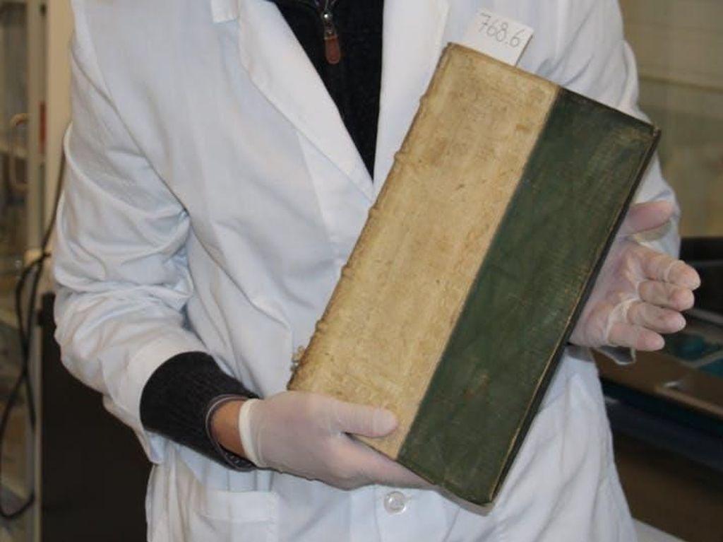Ketika Membaca Membunuhmu, Ilmuwan Temukan Buku Kuno Beracun