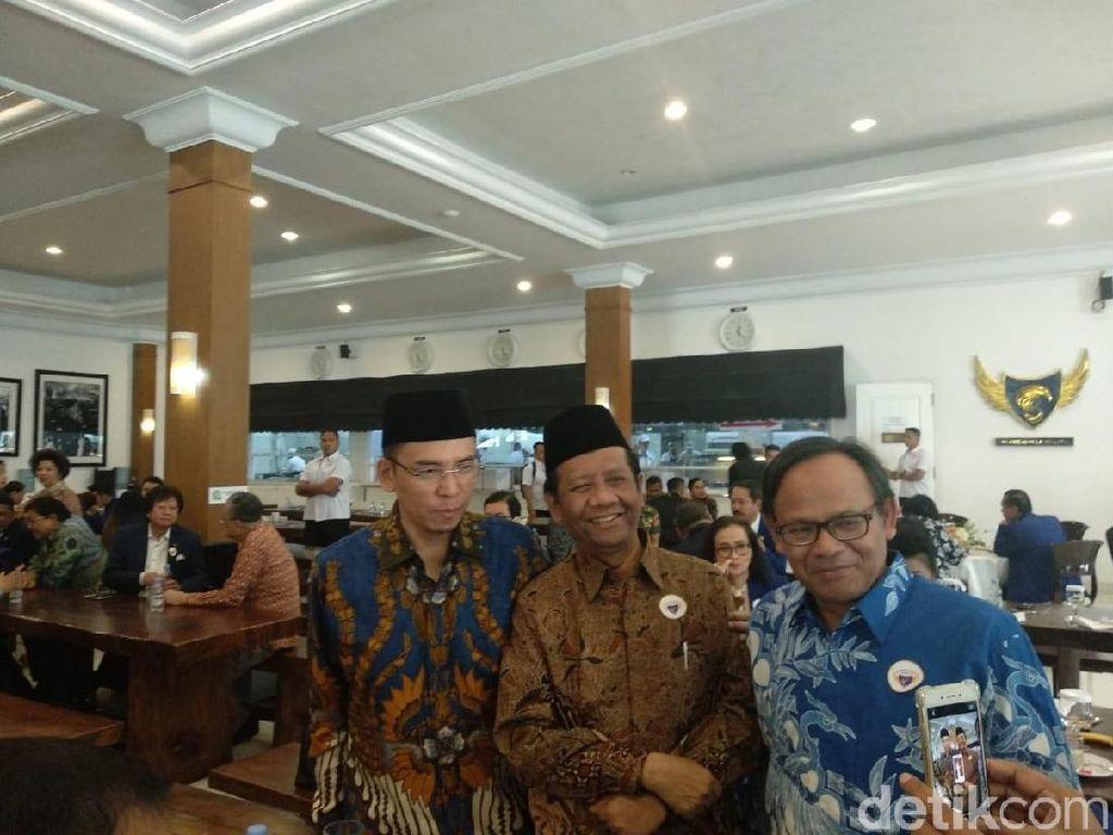 Jokowi: Mahfud MD Sangat Bagus, Masuk Digodok Jadi Cawapres