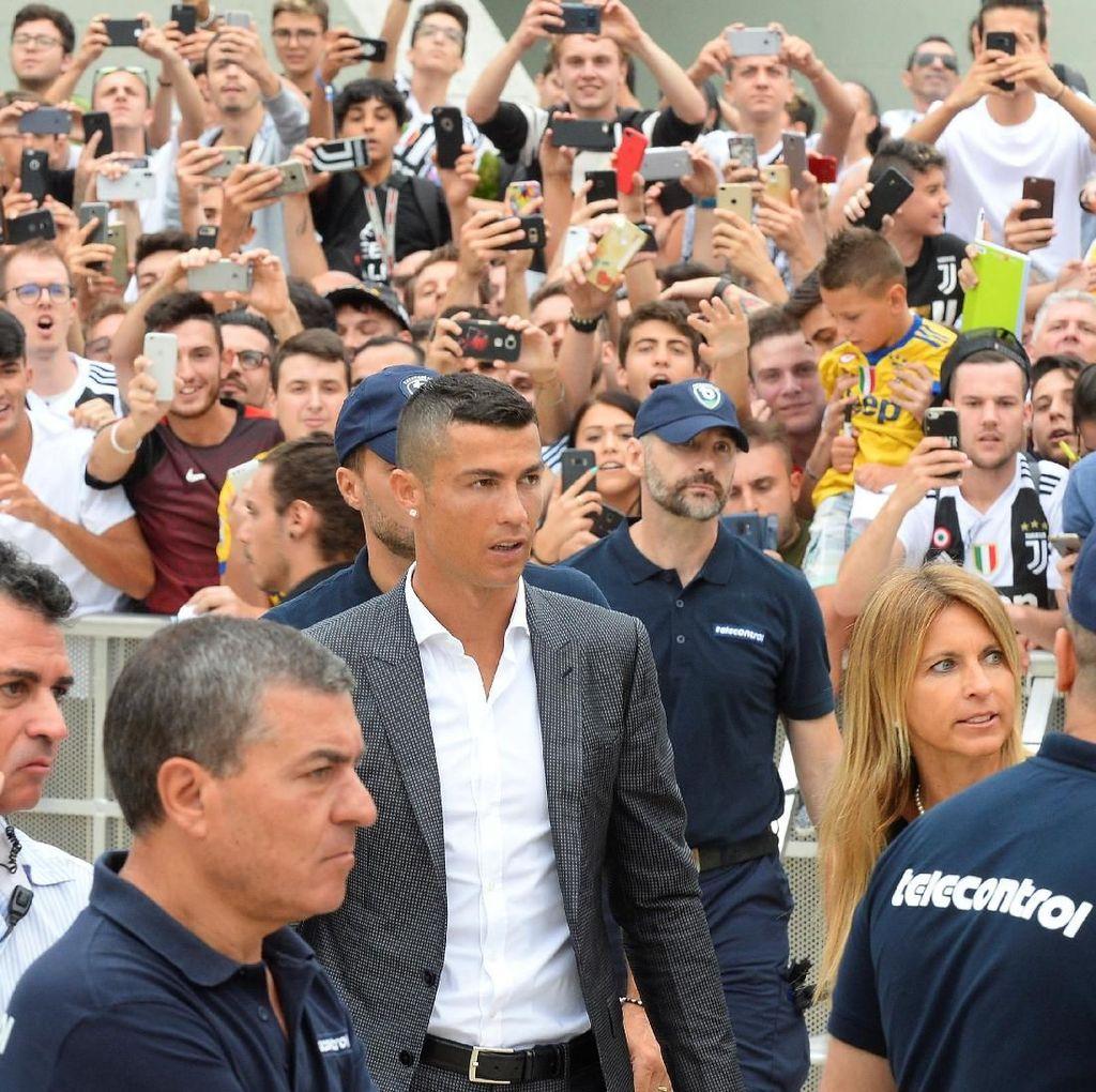 Ronaldo Jalani Tes Medis di Juventus