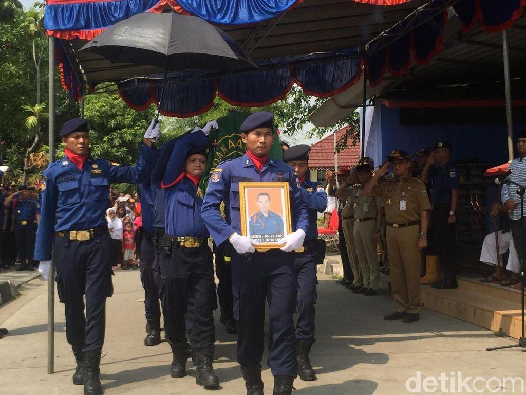 Foto: Haeruddin, Petugas Damkar Jakut yang Mati Syahid dalam Tugas