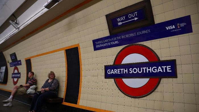Gareth Southgate menjadi nama stasiun kereta bawah tanah di London (Foto: Hannah McKay/Reuters)