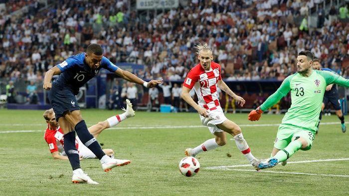 Prancis juara Piala Dunia 2018 usai menang 4-2 atas Kroasia di final (Foto: Darren Staples/Reuters)