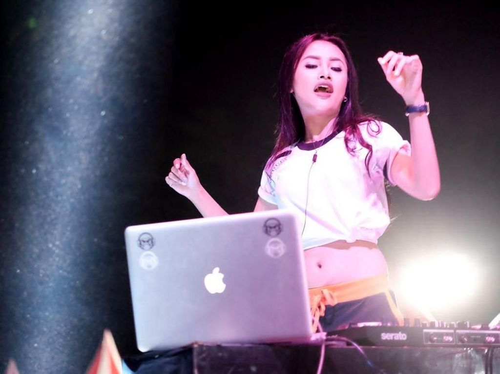 DJ Rhany-Metha Volmax Panaskan Arena ComBol