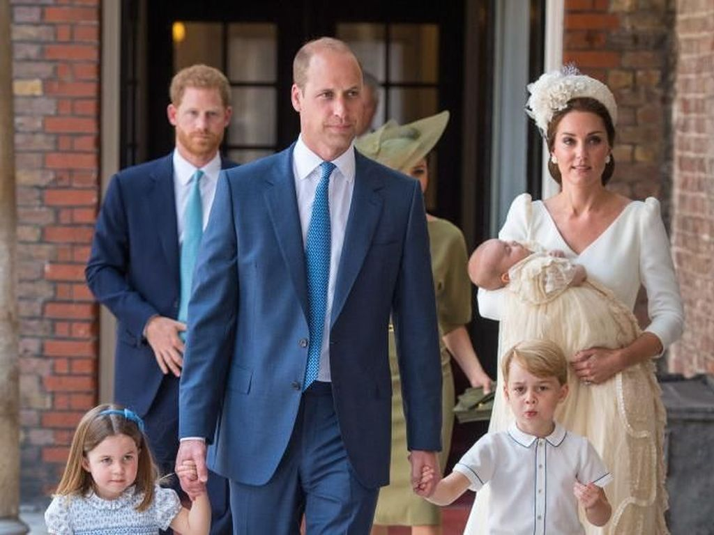 Foto-foto Pembaptisan Anak-anak Pangeran William-Kate Middleton
