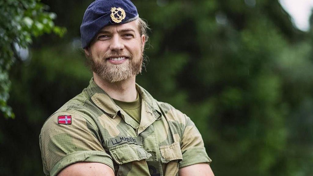 Foto: Gaya Traveling Letnan Angkatan Laut Tampan Norwegia
