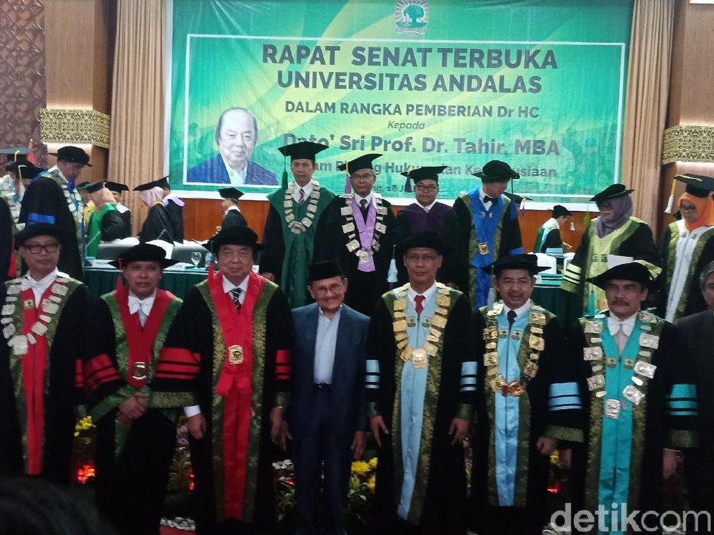 Dato Sri Tahir Buat Konsep Filantropi dari Pengalaman Hidupnya