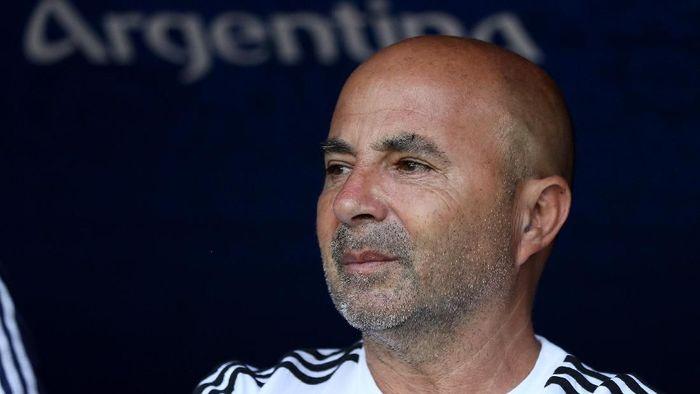 Jorge Sampaoli bukan lagi pelatih Argentina. (Foto: Kevin C. Cox/Getty Images)