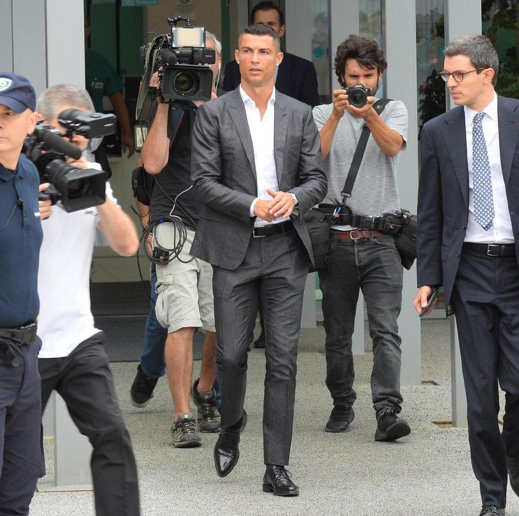 Juventus Resmi Perkenalkan Cristiano Ronaldo