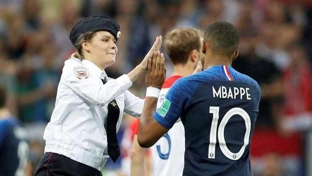Penyusup Final Piala Dunia Bicara soal Mbappe