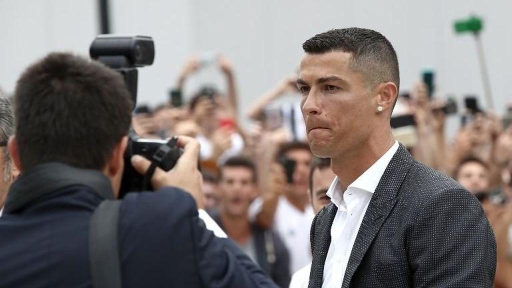 Karyawan Fiat Protes Ronaldo, Tapi yang Demo Hanya 5 Orang