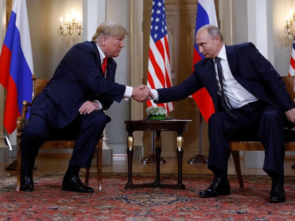Kirim Surat Tahun Baru ke Trump, Putin Akui Terbuka untuk Dialog