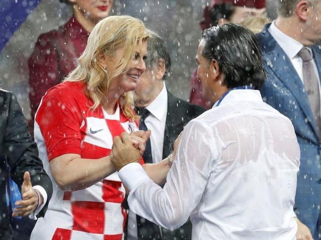 Piala Dunia Usai, Presiden Kroasia yang Hangat Masih Jadi Sorotan