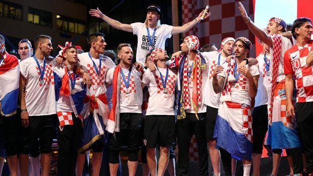 Skuat timnas Kroasia disambut bak pahlawan di Zagreb.