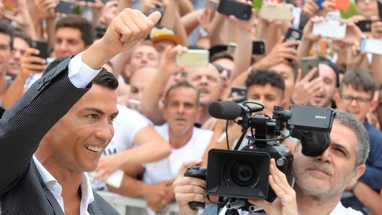 Memang Cuma Juve yang Bisa Datangkan Ronaldo