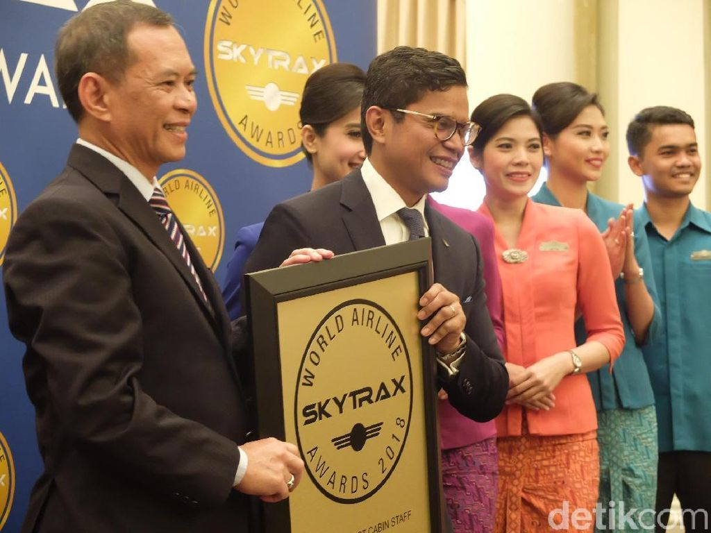 Kunci Keberhasilan Garuda Indonesia Raih Awak Kabin Terbaik Dunia